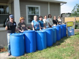 BlueBarrel partnered with the California group ToolGrrlz to put on their first workshop.Eleven women gathered to install a six-barrel system at a Fulton, CA home.